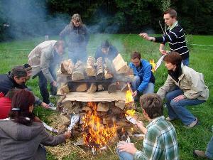 Modul Feuerlauf: Überall möglich wo wir große Feuer machen können