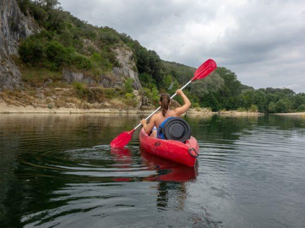 Eine Klassenfahrt im Kanu erwartet Sie bei unserer Kanuwandertour auf dem Ognon.