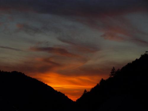 Klassenfahrt Ziele in Deutschland: Sonnenuntergang im Schwarzwald.