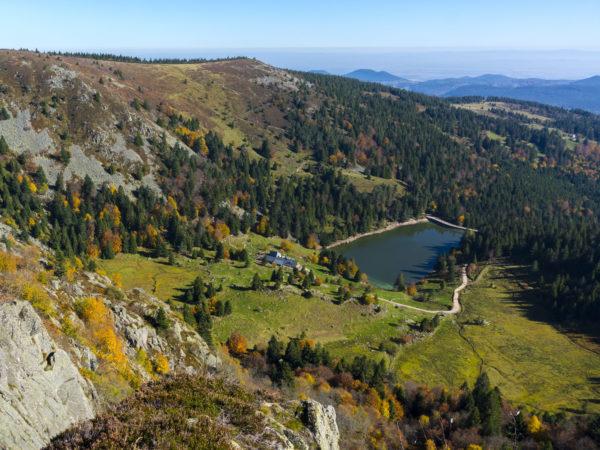 Eigebettet in die malerische Landschaft der Vogesen geht es hier auf Klassenfahrt