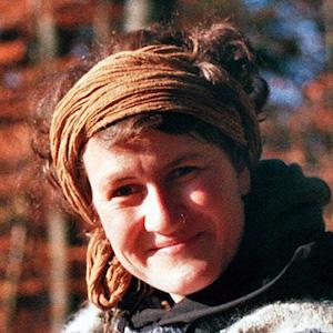 Hanna Burkardt ist studierte Geisteswissenschaftlerin und bei N.E.W. Erlebnispädagogin.