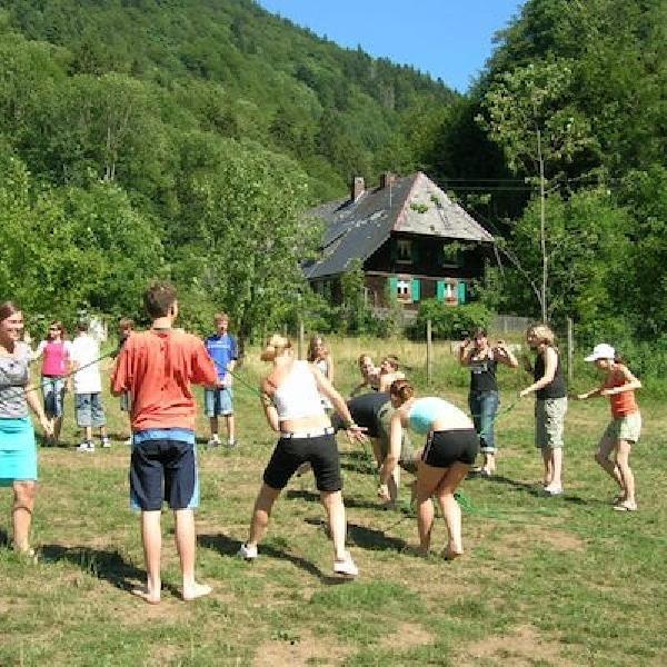 Den ganzen Tag Draußensein und Spielen erwartet Euch in den Sommerferien bei der Tagesbetreuung von N.E.W.