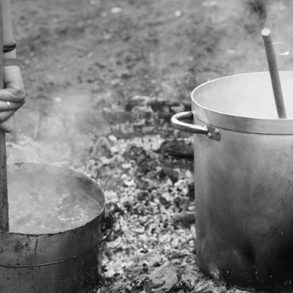 Auf dem Lagerfeuer kochen: Als Erlebnispädagoge *in bist Du auch Meisterkoch *köchin.