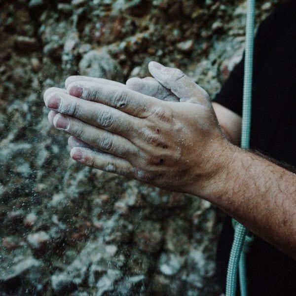 Ran an den Fels: Als Kletterguide bei N.E.W. hilfst Du Menschen ihre Komfortzone zu erweitern.