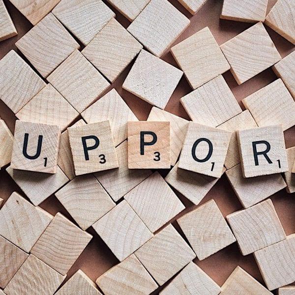 Du supportest unser Back Office, zum Beispiel wenn Kunden anrufen und einfache Fragen zu unseren Klassenfahrten stellen.