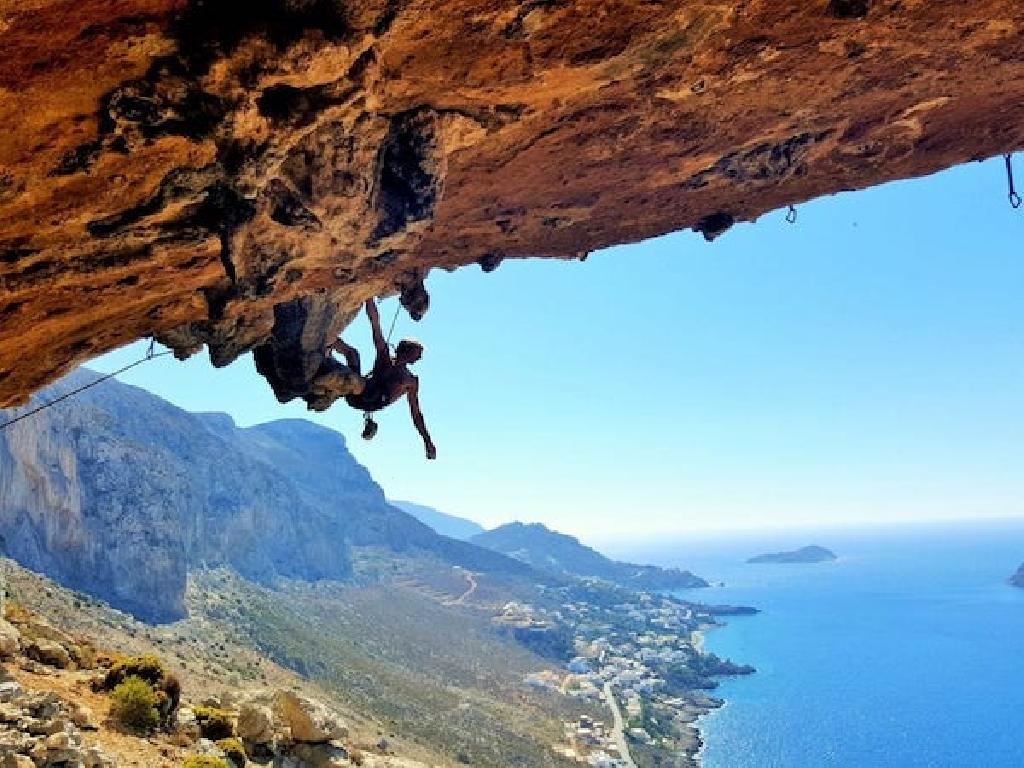 2013 bringen wir unsere ersten Reisen für Erwachsene an den Start: Es geht zum Klettern in die Türkei.