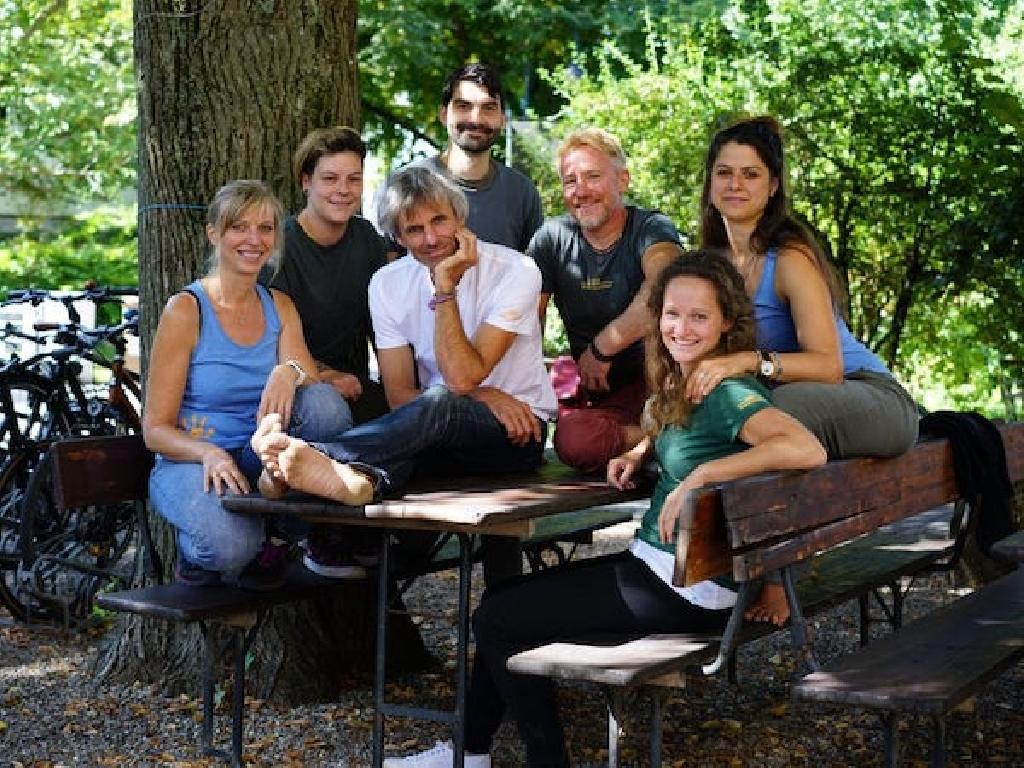2019 wächst unser Team um gleich zwei Menschen: Julia und Sonja, die jeweils die Geschäftsführung in Freiburg und Mainz unterstützen.