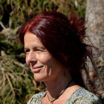 Sanne Straub macht Ritualarbeit bei N.E.W.