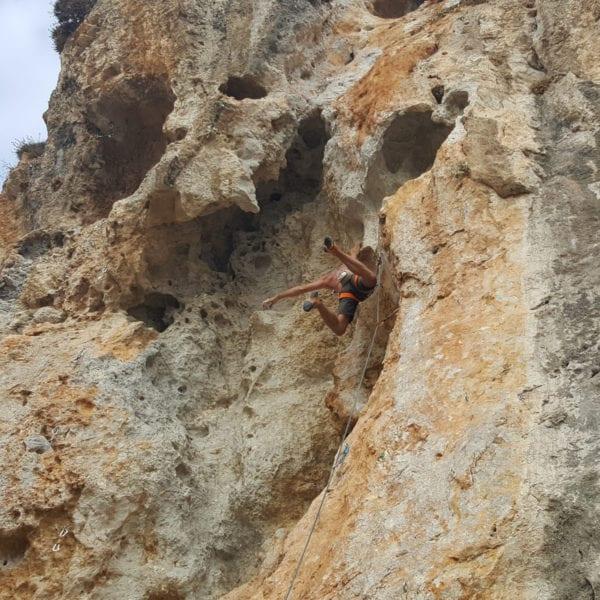 Stephan Straub beim Felsklettern auf Kalymnos