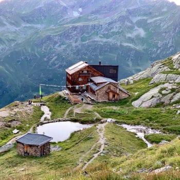 Das Tagesziel ist immer die nächste Berghütte, in der wir uns verpflegen und übernachten.