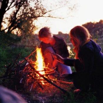 Natürlich werden wir viel Feuer machen, um jeden Abend ein schönes Lagerfeuer zu haben.