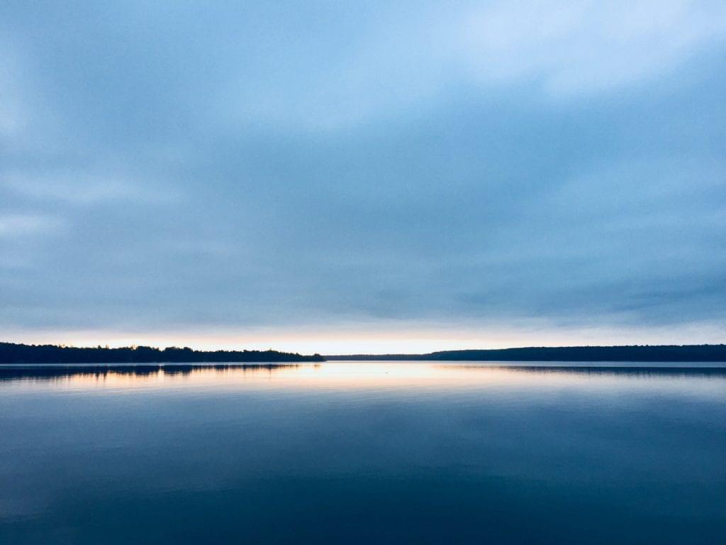 Raus aus dem See und weg vom Ufer!
