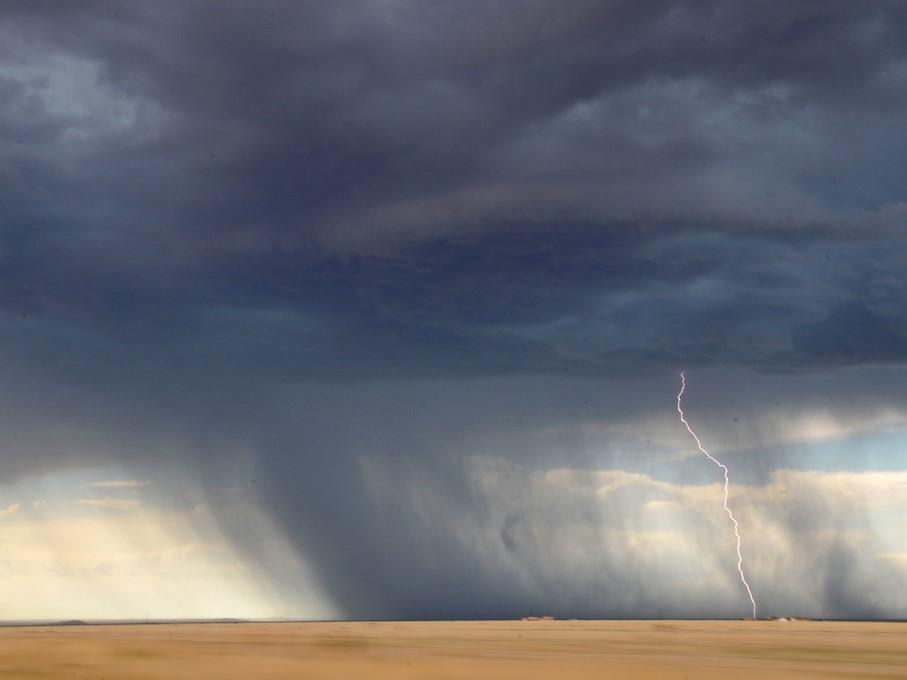 Häufig wird ein Gewitter von Starkregen begleitet.