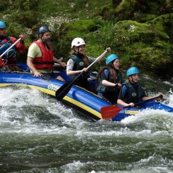 Was wäre eine Kanufreizeit ohne rasante Fahrten auf dem Wasser?