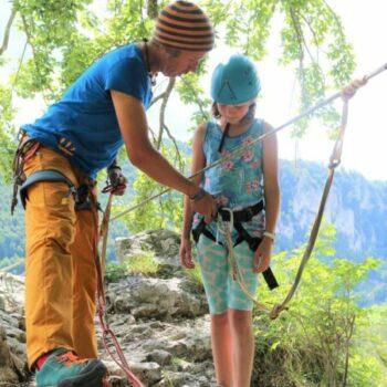 Wir sind nicht nur im Wasser oder unter der Erde. Wir erklimmen auch die Spitzen der Berge beim Klettern!