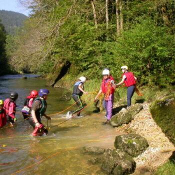 Beim Wildwasserschwimmen im Doubs fängt der Spaß erst richtig an!