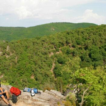 Zum Klettern gehören auch Pausen... Chillen und den Ausblick ins Mittelrheintal genießen.