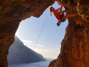 Klettern im Überhang auf unserer Kletterreise Kalymnos