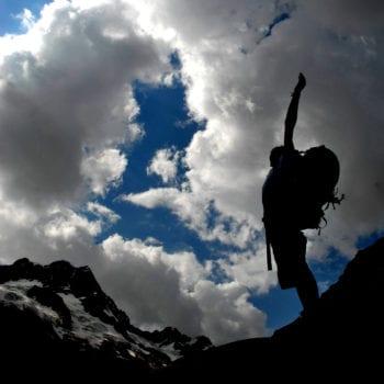 Trekking in den Schweizer Alpen mit Gipfelerlebnis