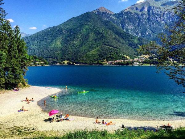 Klassenfahrt Italien: Ab geht's an den Ledrosee.