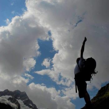 Freiheit! Es gibt wenig, was Dir so sehr das Gefühl der Unabhängigkeit vermittelt, wie zu Fuß durch die Alpen zu wandern.