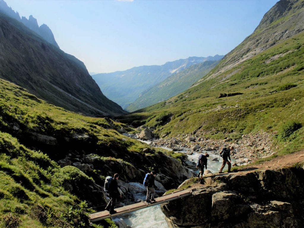 Eine Abenteuerreise in den Schweizer Alpen beim Hüttentrekking
