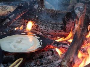 Diese Lagerfeuer-Crêpes werden deliziös!