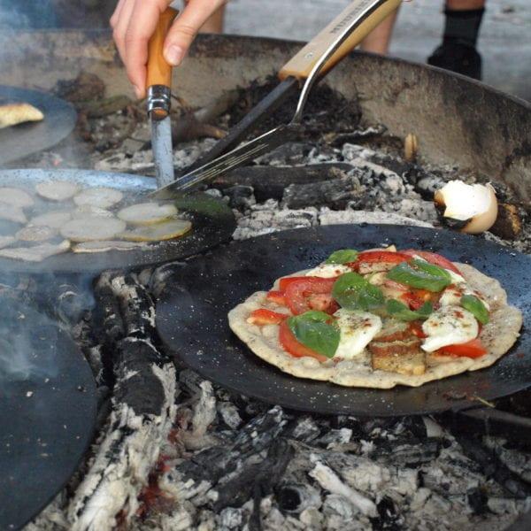 Hmm.. Grillpizza! Probieren wir zusammen aus!