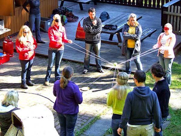 Mit pfiffigen Teamaufgaben wird Ihr Azubi- Training zum spannenden, nachhaltigen Event!