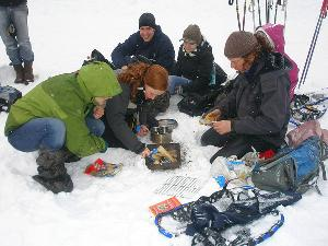 Unserem Baukasten für Module gibts auch im Winter: Schneeschuhtour, Feuer machen, Iglu bauen, GPS und vieles mehr erwarten Euch