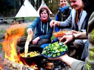 Lagerfeuerküche zum Mitmachen ist nur eines von 1000 Modulen für Ihr Incentive!