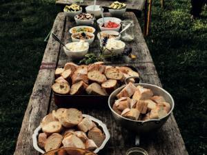 Bei unserem Event Feuer und Flamme zaubern Sie gemeinsam ein Lagerfeuerküchen- Buffet