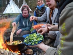 Feuer und Flamme ist kulinarische Lagerfeuerküche