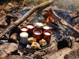 Statt großer Rezepttreue kochen wir beim Modul Feuer und Flamme lustvoll durch Ausprobieren