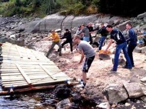 New Shore - Euer Zeil ist es das andere Ufer zu erreichen, dazu bekommt Ihr Flobau Materialien und müsst diese im Team zusammenfügen