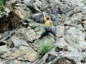 Auch das klassische Felsklettern kann ein Element sein bei der Praxis Erlebnispädagogik