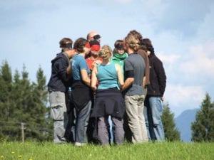 Gemeinsam nach den kniffligen Lösungen der Teamtasks suchen, welche Erkenntnisse nehmen wir für unseren Berufsalltag daraus mit?