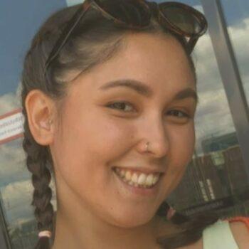Sedieka Khalaj ist Erlebnispädagogin