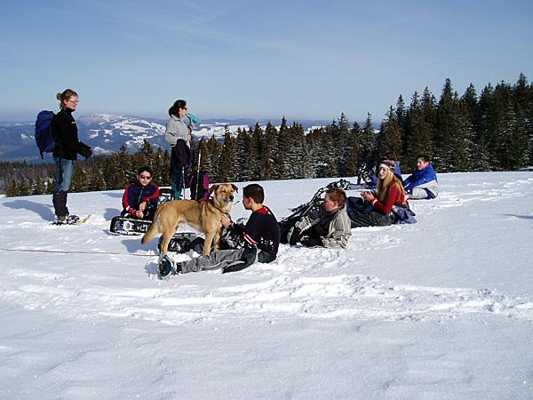 Schneeschuhtouren sind ein Klassiker bei unseren Winterklassenfahrten!